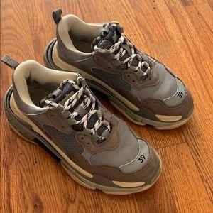 Balenciaga Shoes - Sneakers